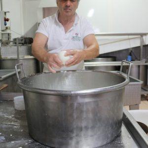 南イタリア チーズ旅!2日目 チーズ工房へ!