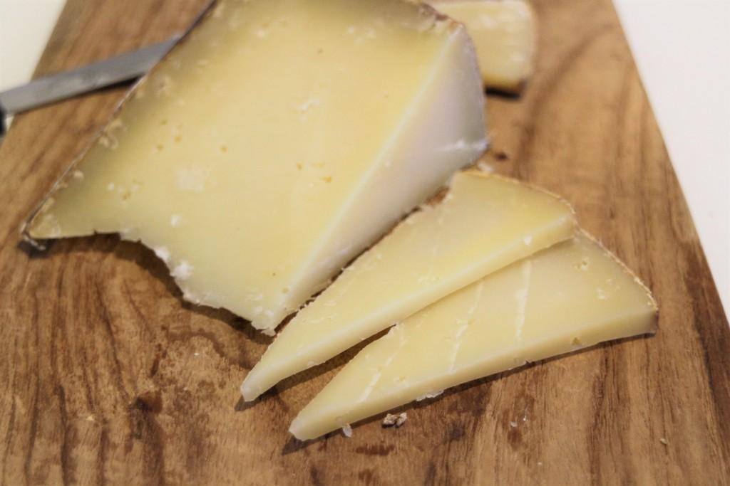 スペイン産カミク羊のチーズ