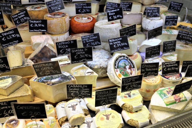 フィレンツェのチーズ屋さん