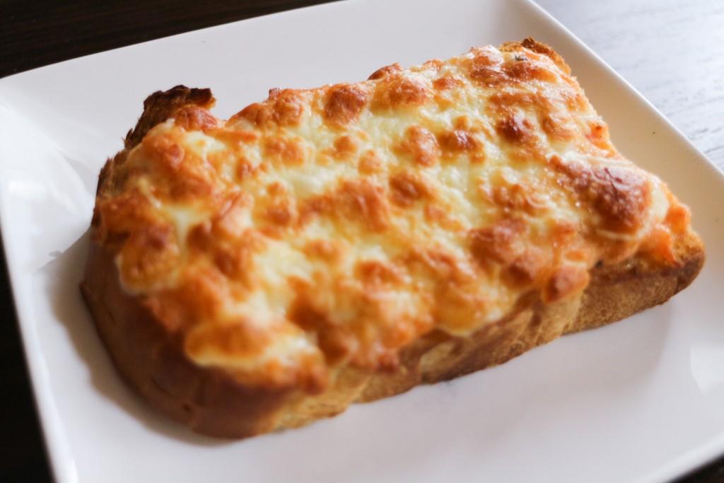 鮭のチーズマヨトースト
