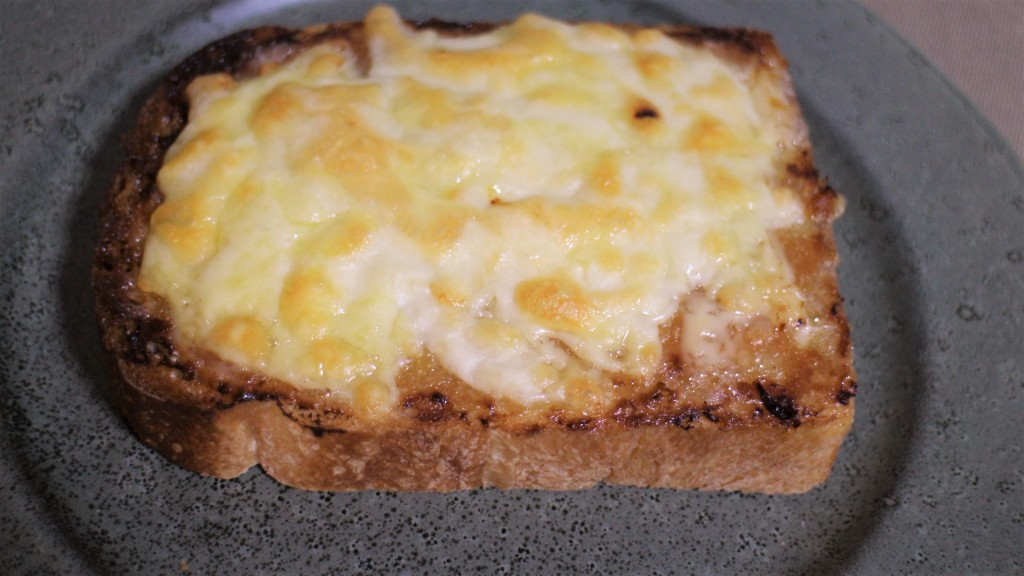 マヨ味噌チーズトースト