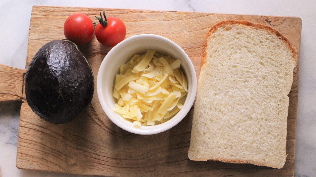 アボカドチーズトースト材料
